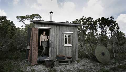 Small hermit 39 s cabin modern cabins small houses for Single person house