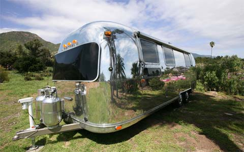 airstream-trailer-makeover