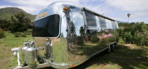 airstream-trailer-makeover2