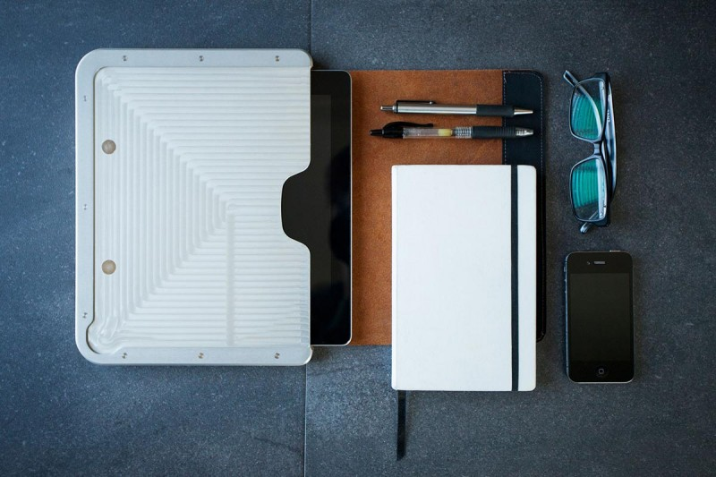 aluminum ipad case bwdn 800x533 - Bowden iPad Case