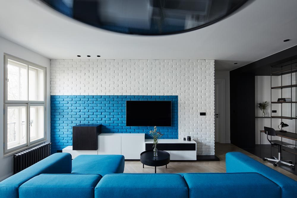 apartment design blue brick wall 1000x667 - Ovenecka Apartment