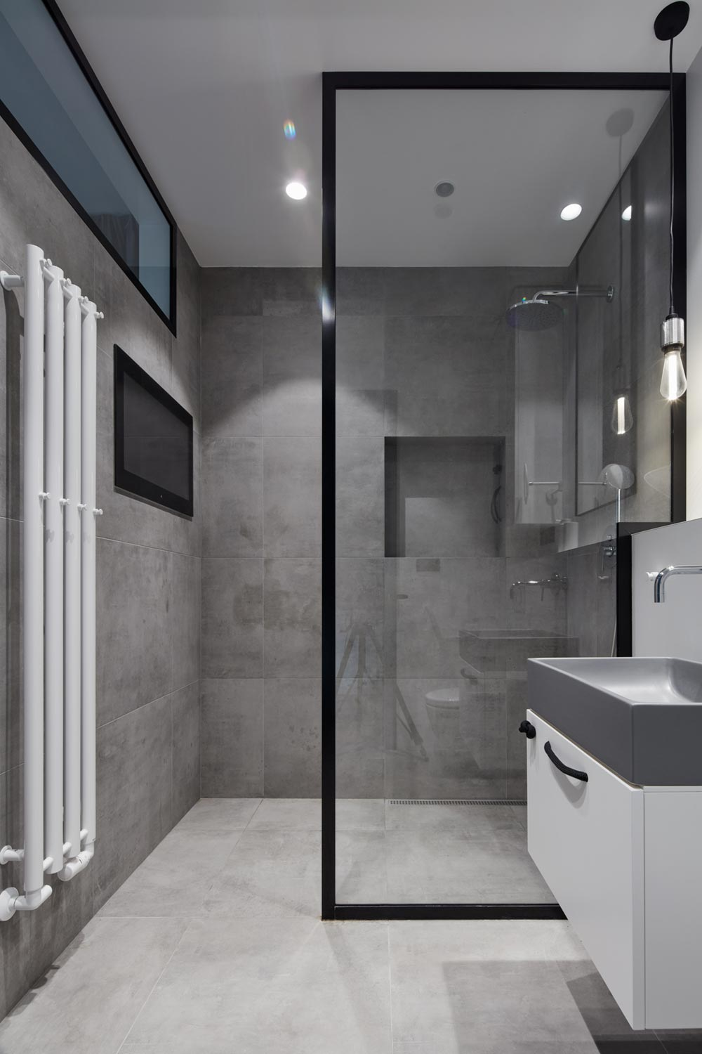 apartment design modern shower - Ovenecka Apartment