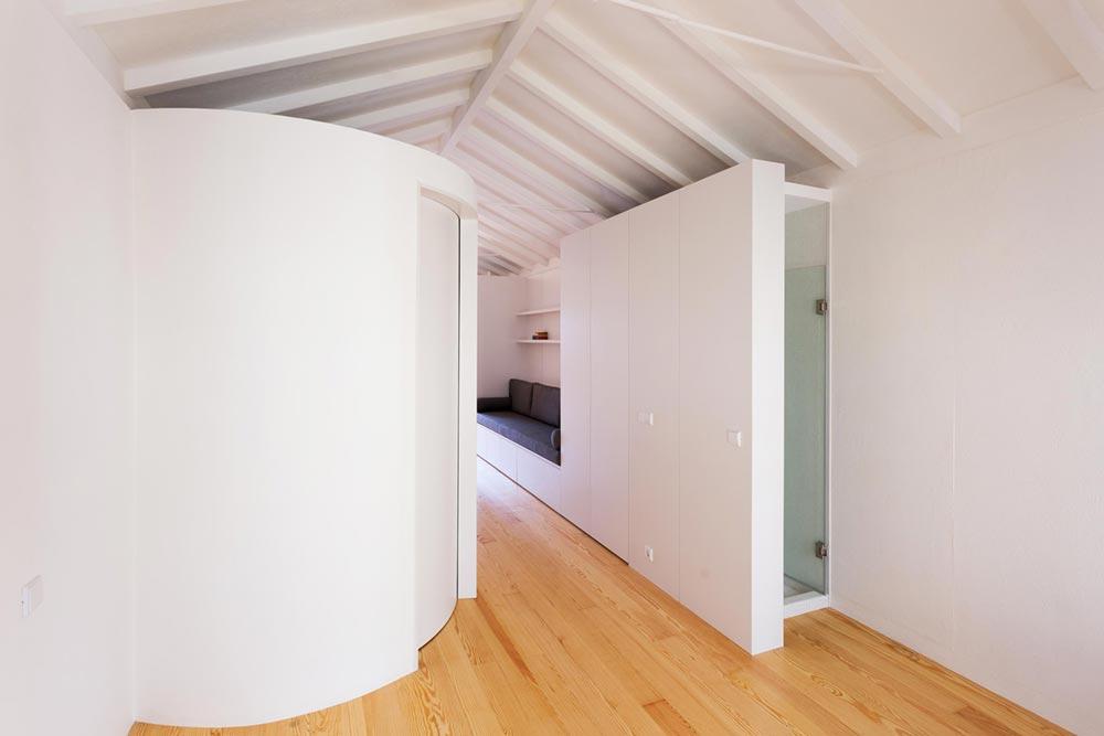 apartment renovation interiors pg - Caldeireiros Houses