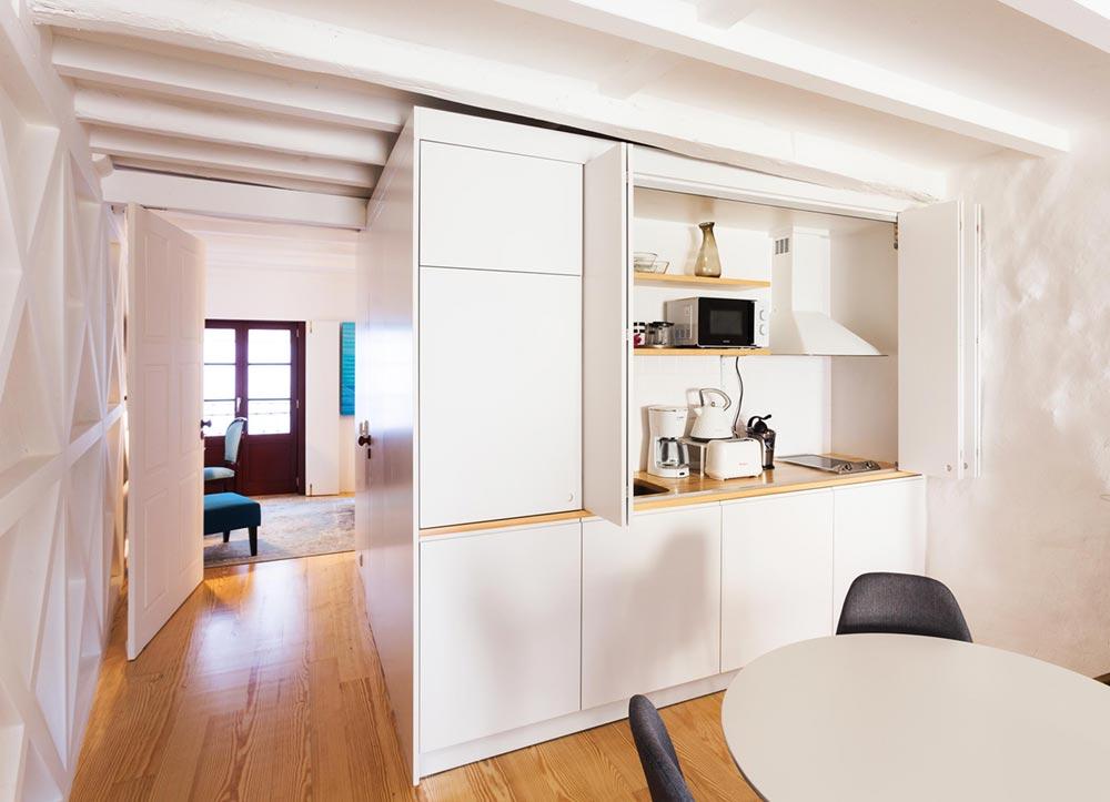 apartment renovation kitchen pg - Caldeireiros Houses