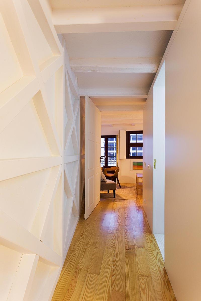 apartment renovation living pg - Caldeireiros Houses