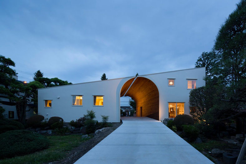arch-wall-house