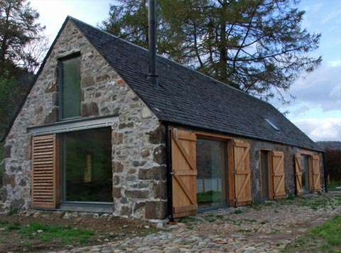 Barn house my heart s in the highlands barn houses for Barnhouse builders