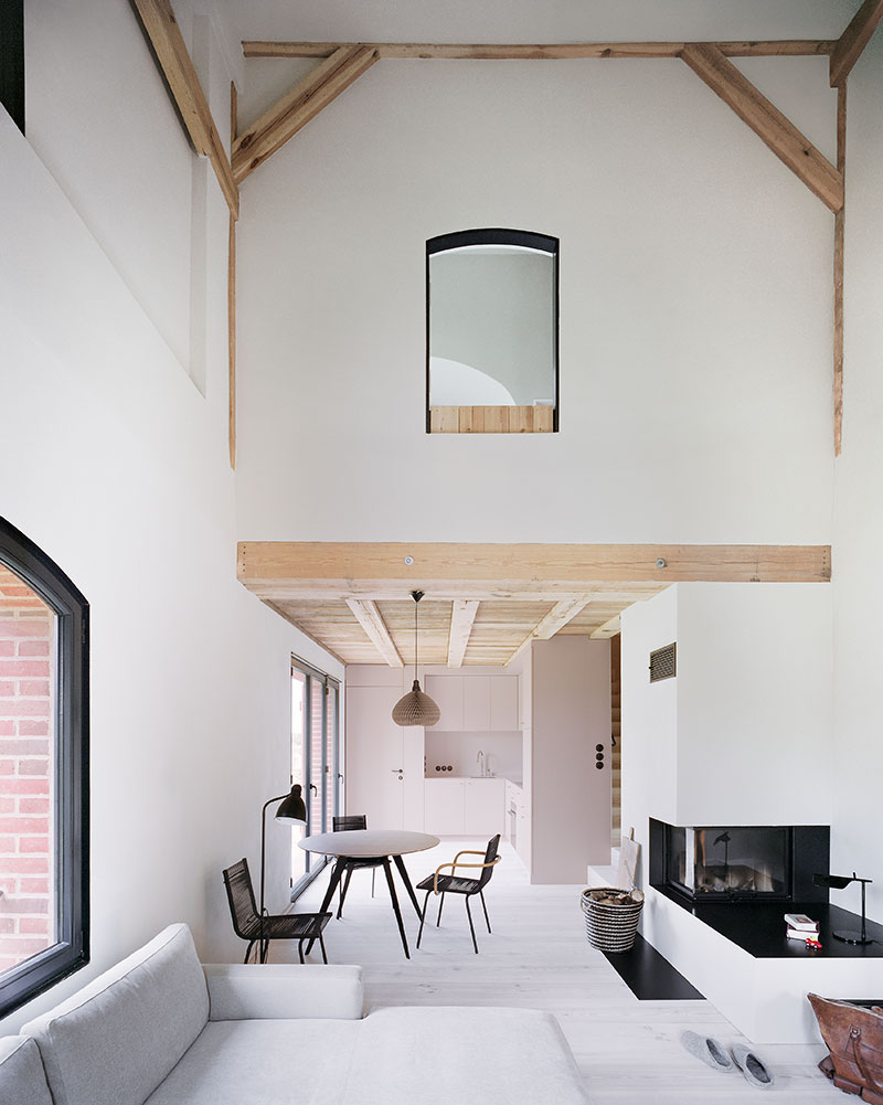 barn-house-conversion-tka6