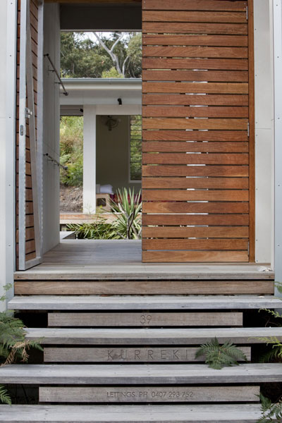 beach house seal rocks 3 - Seal Rocks House 4: surf, beach and patio house