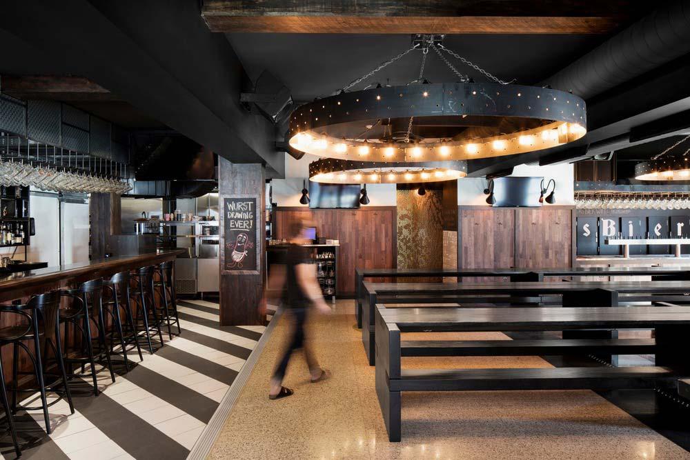 Industrial bar and restaurant design in montreal canada for Indoor das design