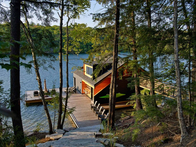 boat-house-lake-joseph1
