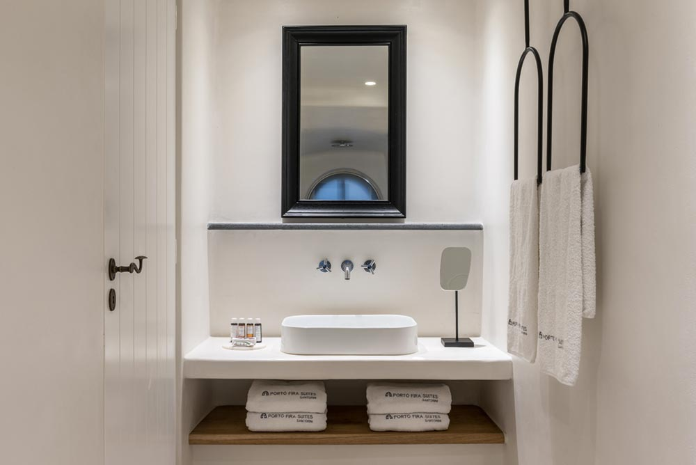boutique hotel bathroom greece - Porto Fira Suites