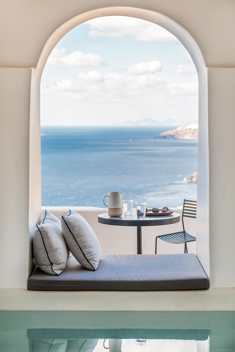 boutique hotel patio greece - Porto Fira Suites