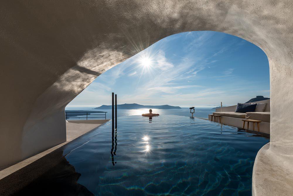 boutique hotel santorini pf 1000x668 - Porto Fira Suites