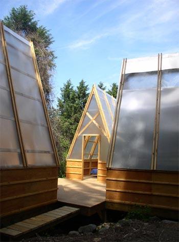 camping-huts-swamp-2
