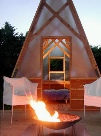 camping-huts-swamp-6