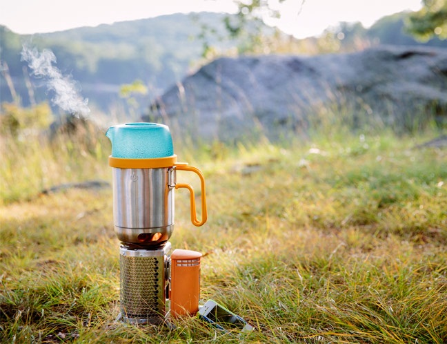 camping kettle pot1 - Kettle Pot: Camping made easy with this super light 2 in 1 device