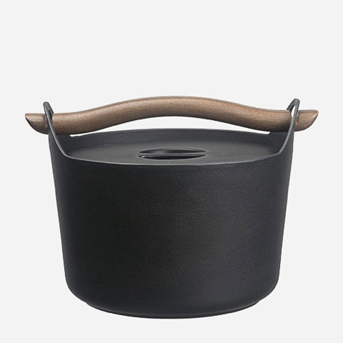 cast-iron-pot-sarpaneva