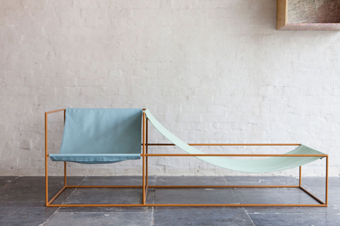 Seat bleu green on the couch on the trend furniture for Chaise longue bleu turquoise