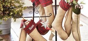 christmas stocking holder2 300x140 - Christmas Stocking Holder: Floor and tabletop
