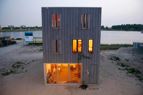 coastal-beach-house-in-2