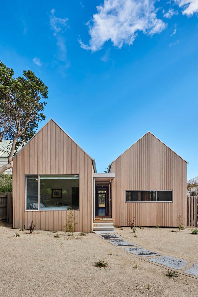 coastal gable house design - Point Lonsdale
