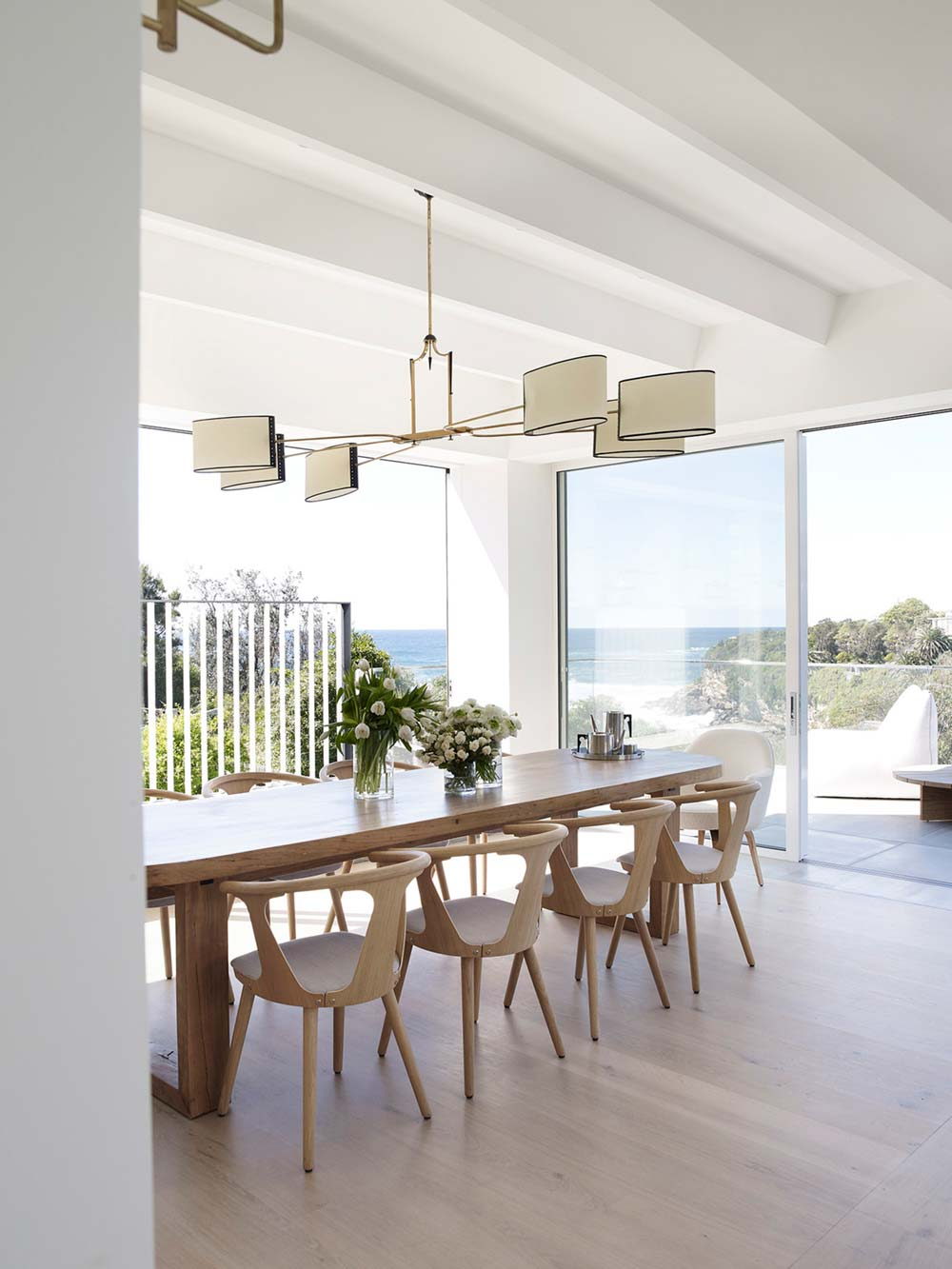 coastal home dining room design - Clovelly Residence