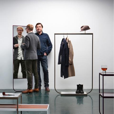 coat-hanger-tati2