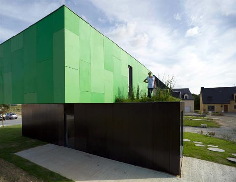 container-home-crossbox-4