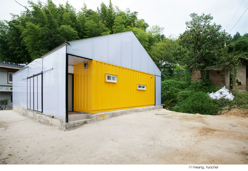 container home low cost91 - Low Cost House: container modules for a home