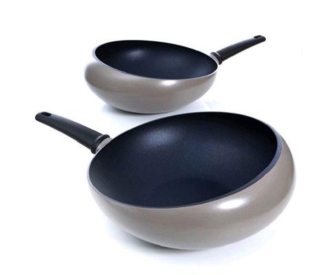 cooking-wok-boomerang