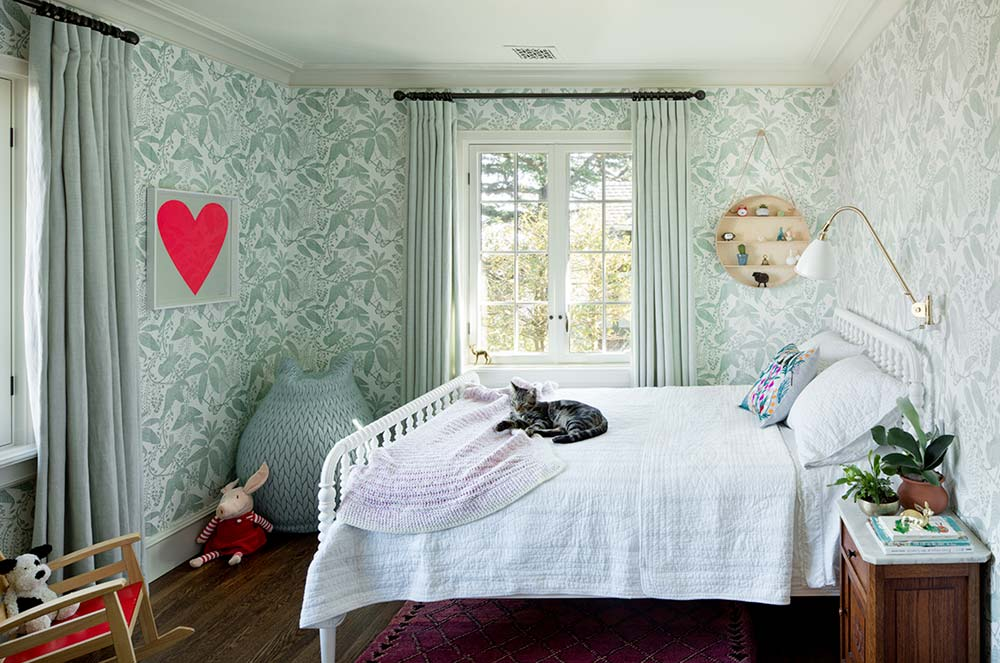 Country style kids bedroom design
