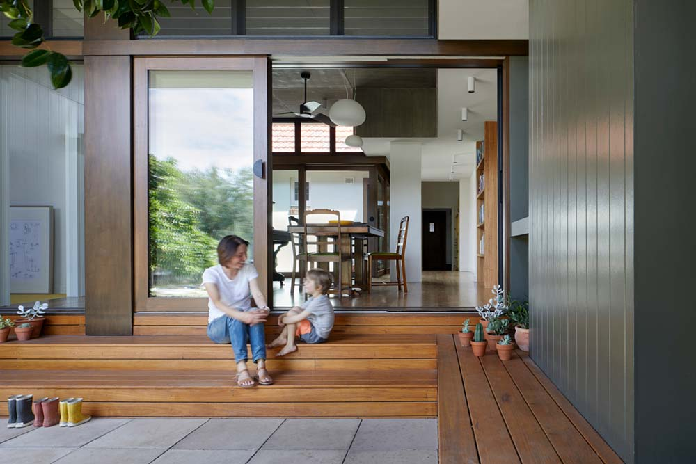 courtyard deck house design entry zga - Courtyard Deck House