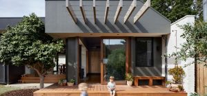 courtyard deck house design zga 300x140 - Courtyard Deck House