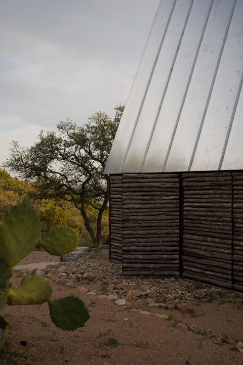 eco-friendly-cabin-mdct5