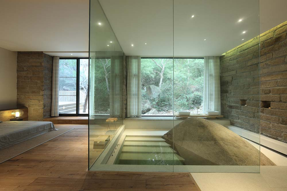 Master Bedroom Sunken Tub