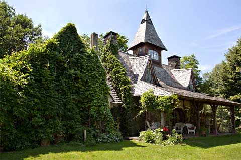 fairytale-stone-house
