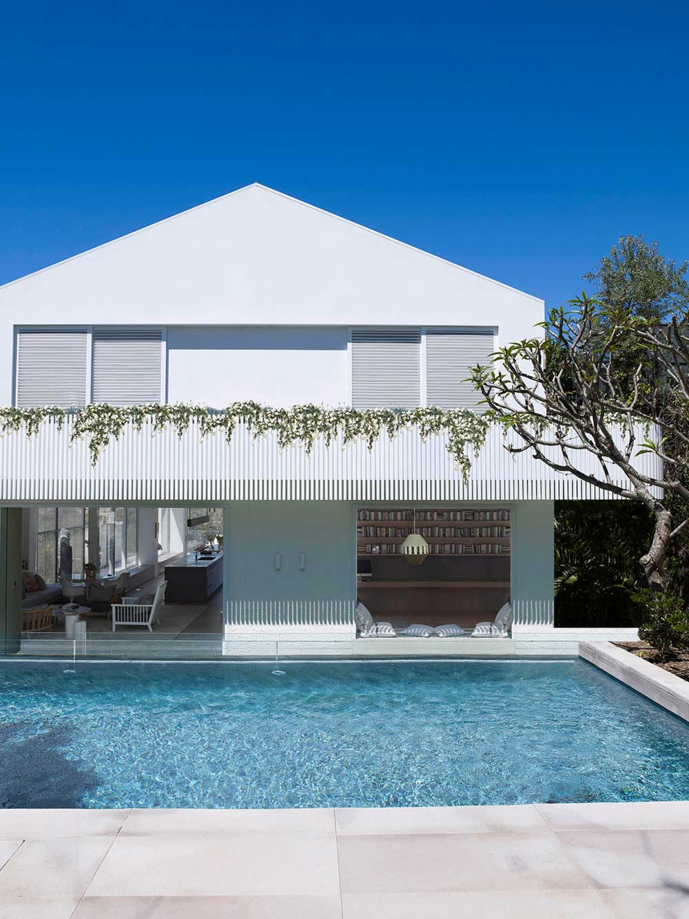 family coastal home pool mba - Clovelly Residence