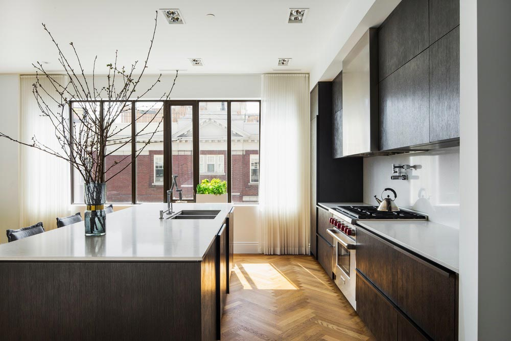 family home luxury interiors kitchen - Home in Little Italy