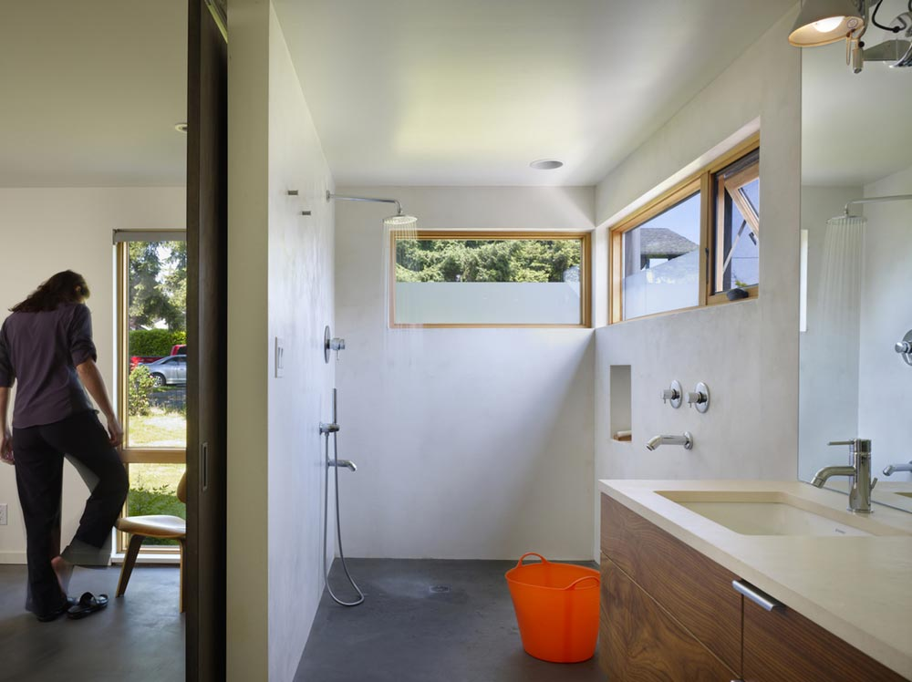 family house bathroom design cda - Lobster Boat House