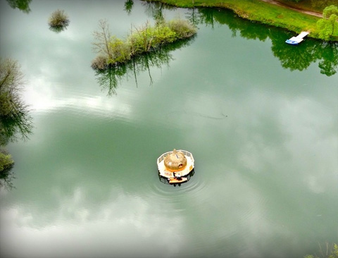 floating-cabins-cdgl-france-5