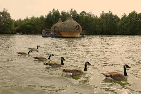 floating-cabins-cdgl-france