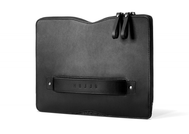 folio sleeve macbook mujjo 800x567 - Carry-On Folio Sleeve