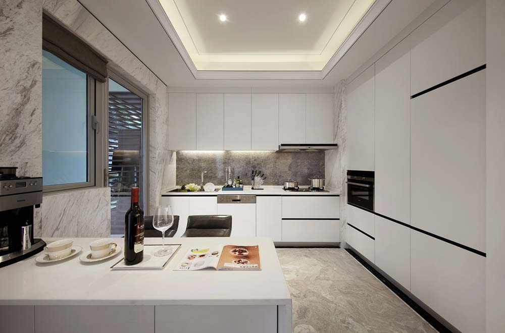 Elegant White Kitchen Cabinetry