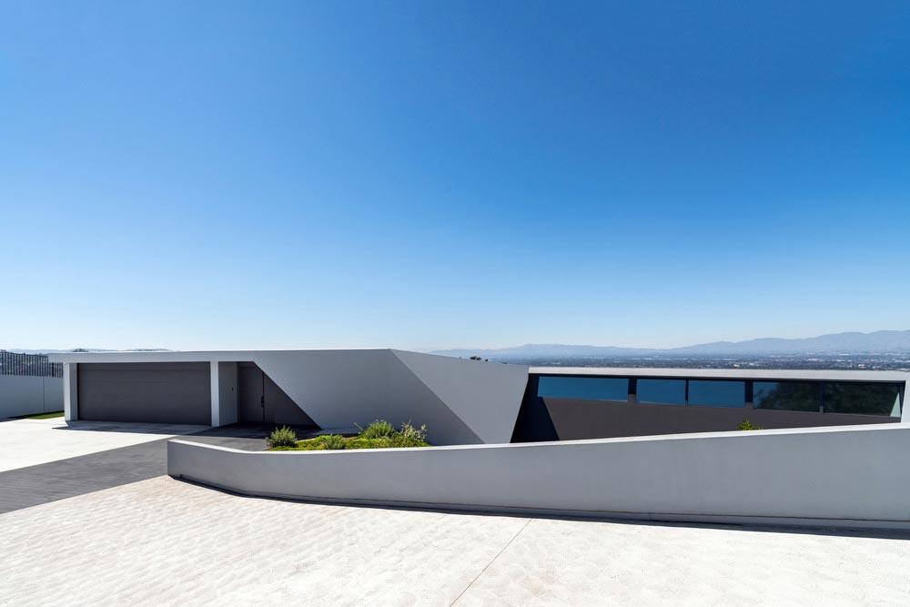 futuristic split level home design in la hollywood hills