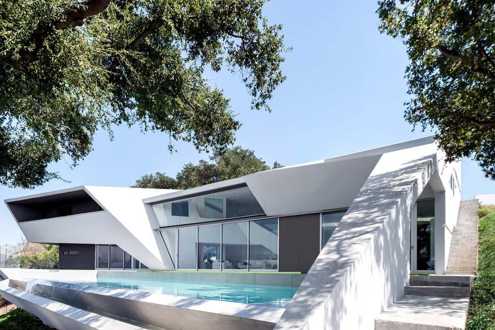 Futuristic Split-Level Home Design In LA Hollywood Hills