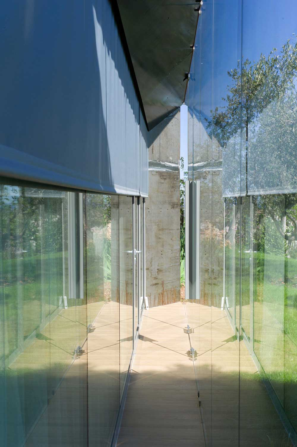 glass stone home extension ema4 - SPE House