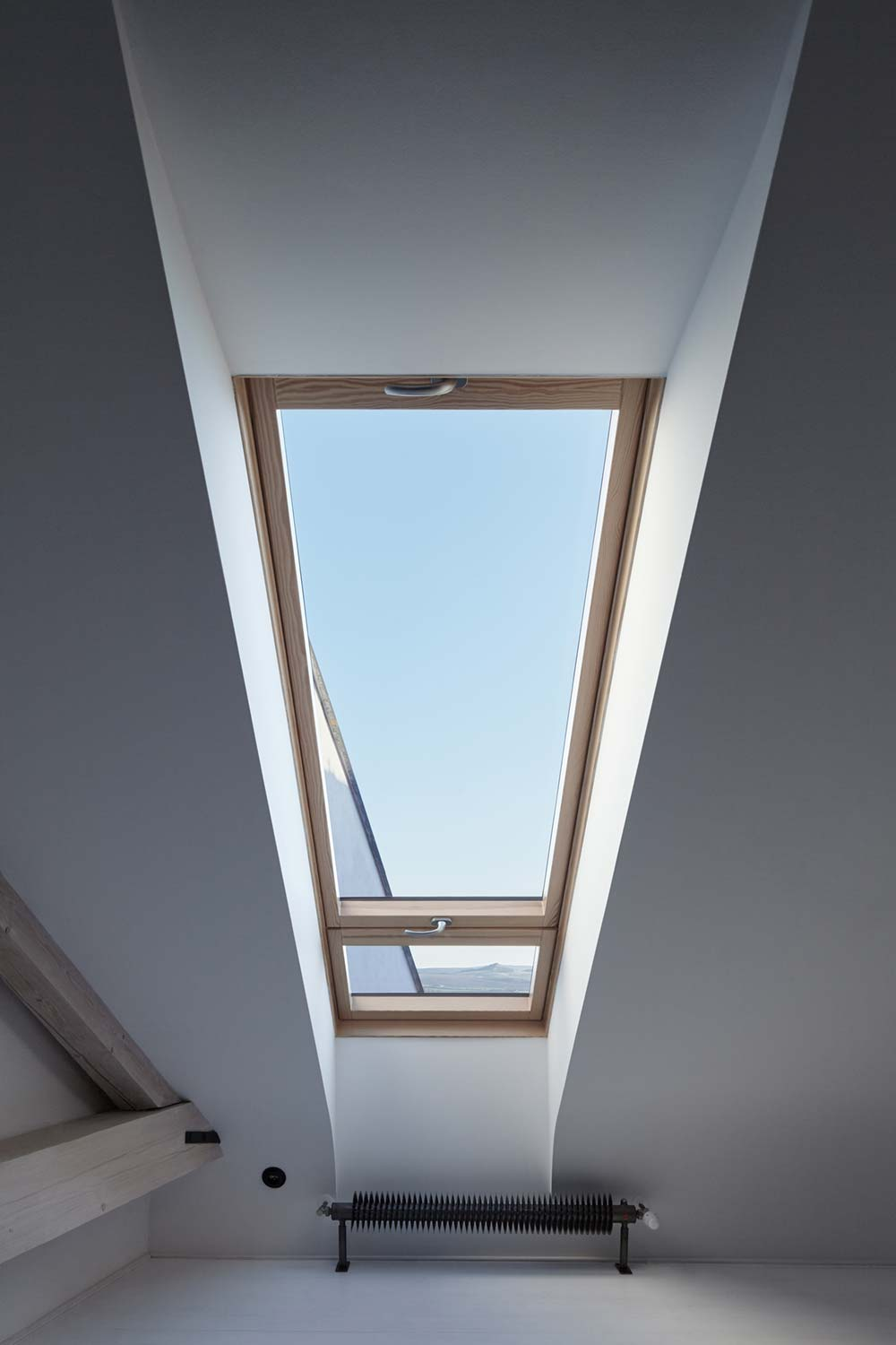 guesthouse renovation skylight design - Stajnhaus