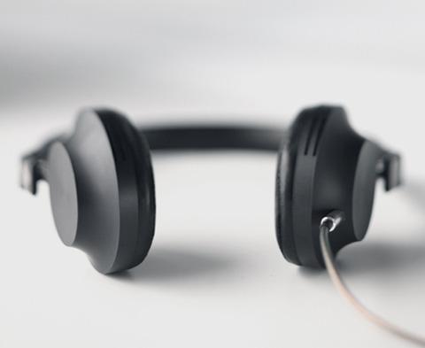 headphones-aedle5