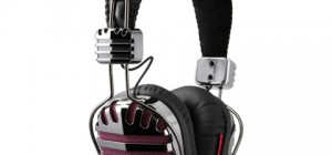 headphones throne 6 300x140 - Throne Headphones: A Blast From The Past